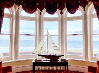 What's the difference between bay vs. bow windows?