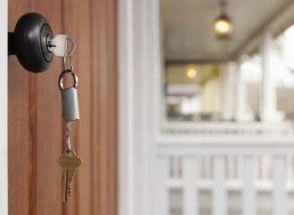 5 signs it's time to replace your front door