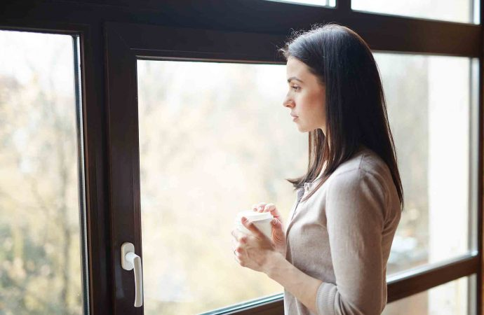 What's the difference between single hung vs. double-hung windows?