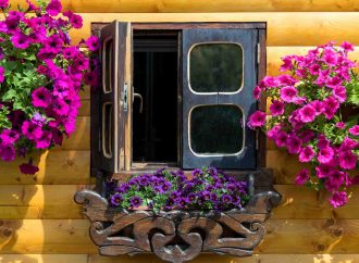 5 benefits of installing awning windows for your home
